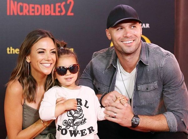 Jana Kramer with husband and daughter