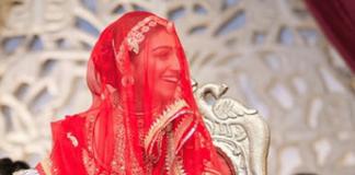 Mohena Kumari Befitting Reply to Criticism for Wearing Ghoongat