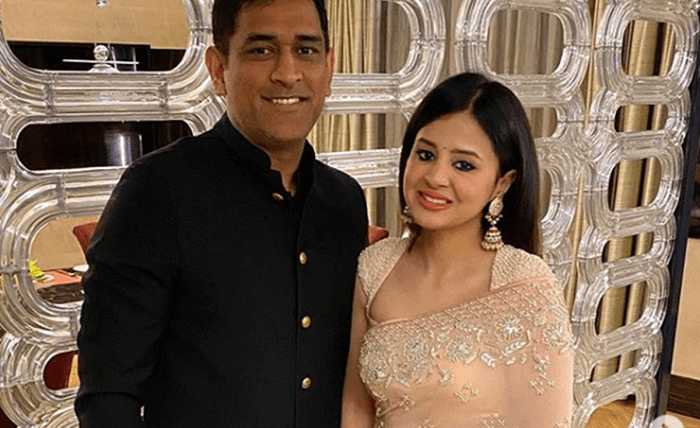 MS Dhoni with wife